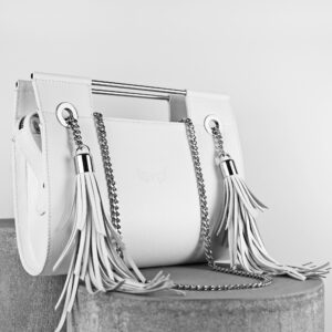 Maestoso White Fringe Clutch