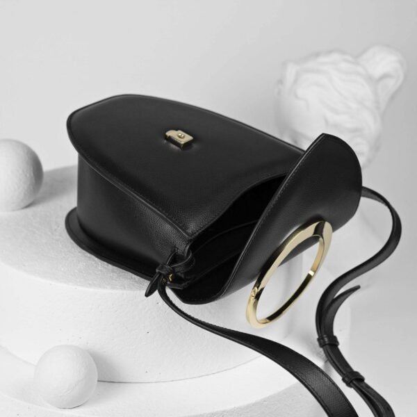 Maestoso Arc Black Bag